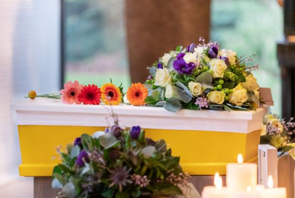 Kinderkistje met bloemen